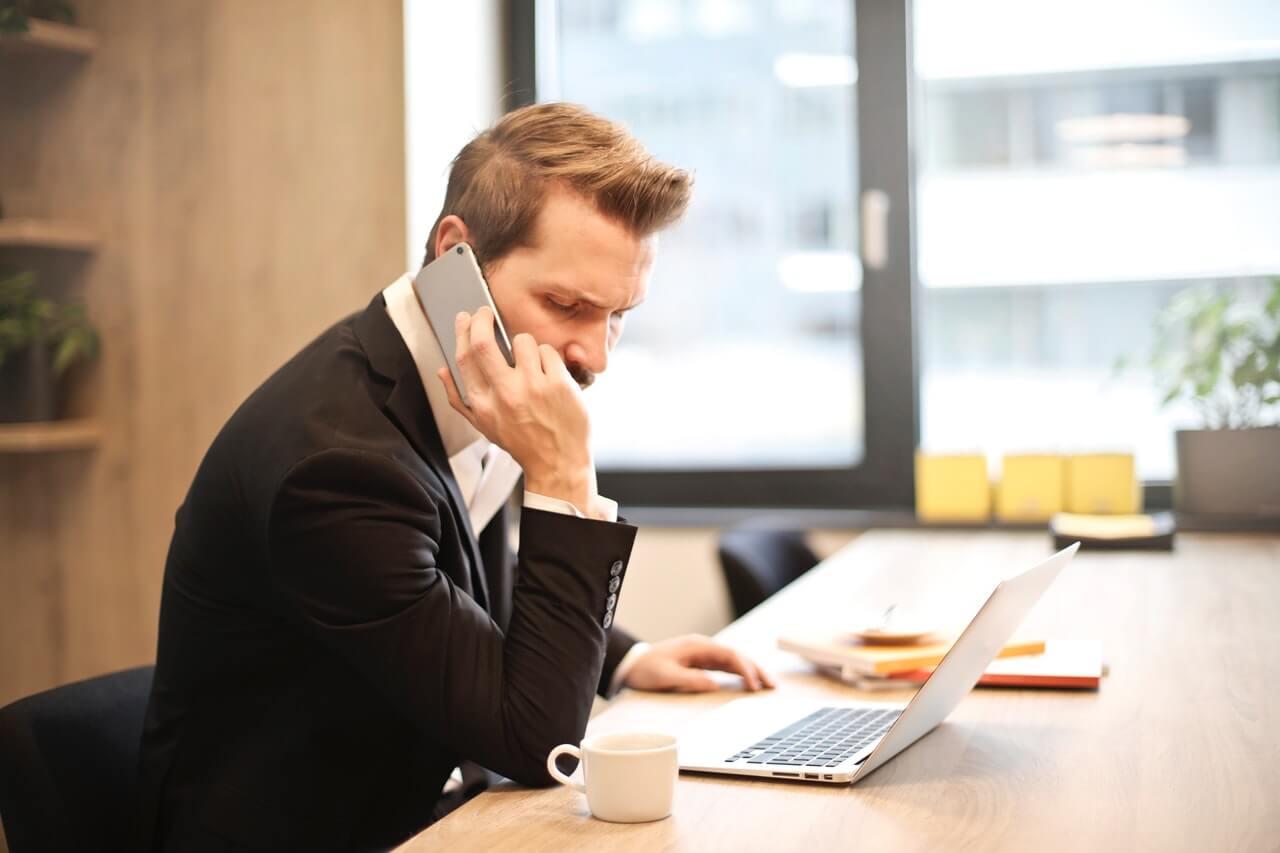 Porady prawne przez telefon